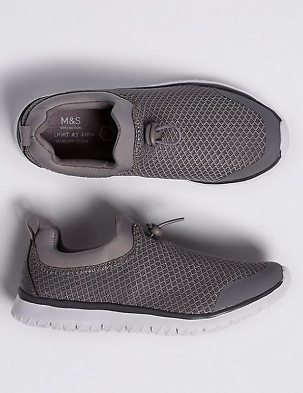 Легкие кроссовки marks&spencer.