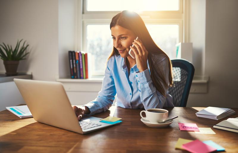 В компанию на удаленную работу требуется оператор-консультант
