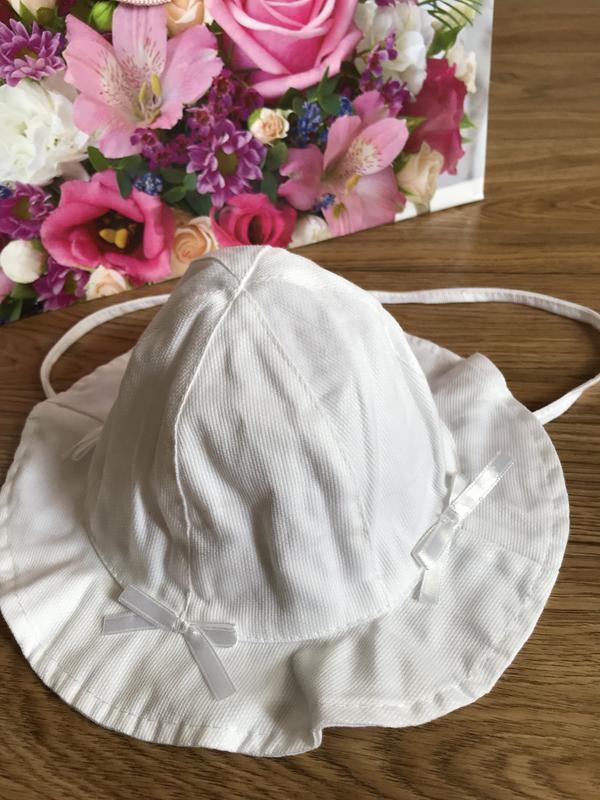 Очаровательная на хлопковой подкладке белоснежная панама с бан...