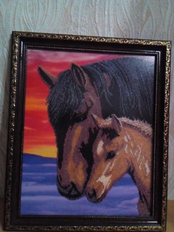 """картина вышитая бисером """"Лошади"""""""
