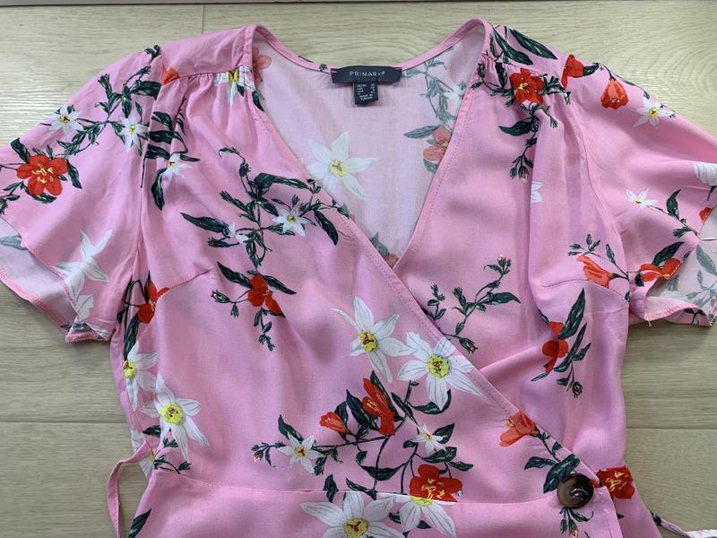 Платье на запах в цветах primark - Фото 4