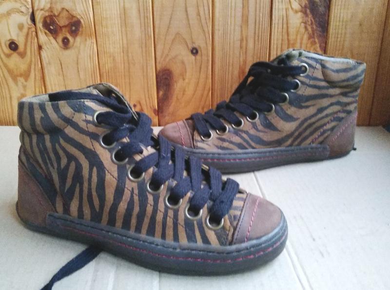 Шикарные полностью кожаные утепленные кеды fly london ботинки