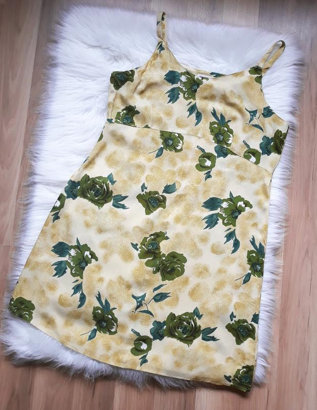 Легкое летнее платье в цветочки из натуральной ткани vero moda...