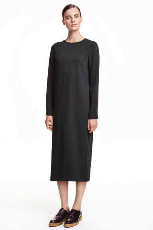 Очень крутое нарядное платье от h&m с вырезом на спине.