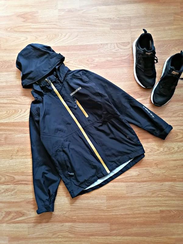 Детская фирменная спортивная куртка ветровка didriksons для ма...