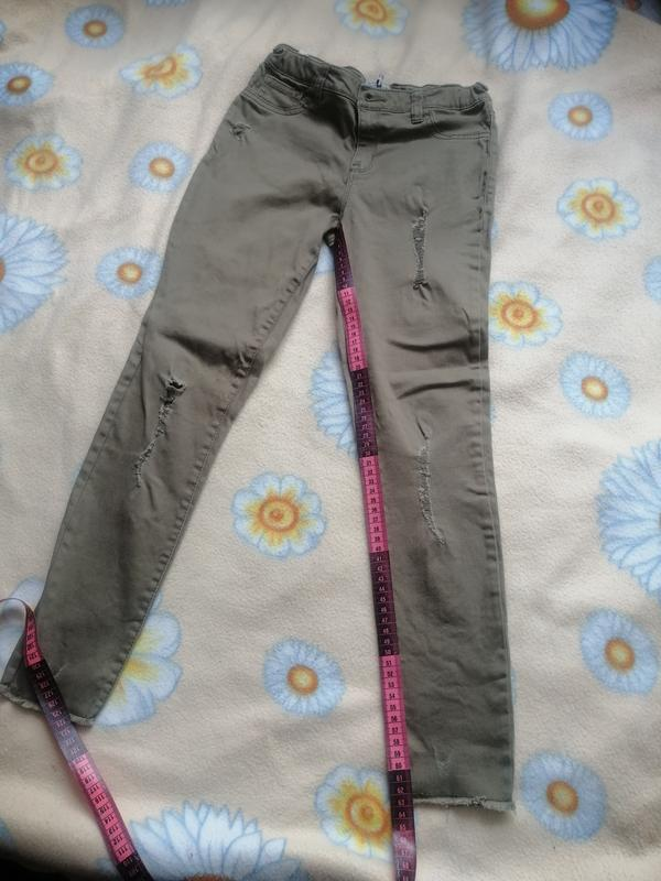Джинсы хаки, брюки в школу