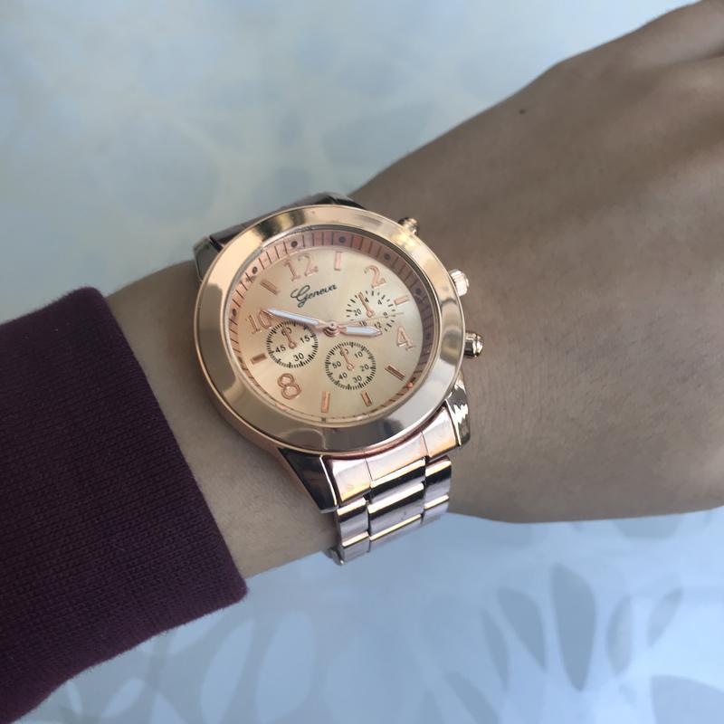 Женские красивые наручные часы женева geneva металлические роз...