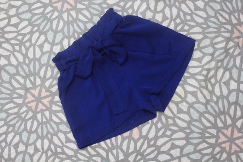 Шикарные шорты с высокой посадкой и поясом paperbag от amisu
