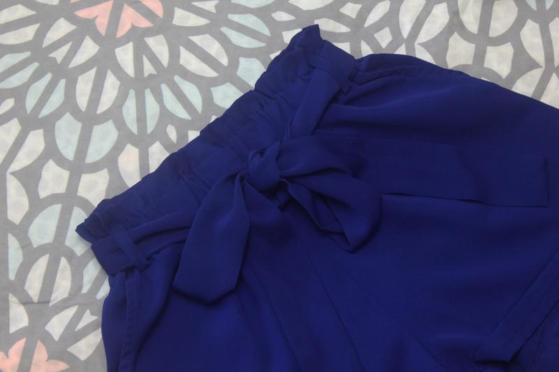 Шикарные шорты с высокой посадкой и поясом paperbag от amisu - Фото 2