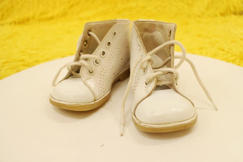 Кожаные белые ботиночки