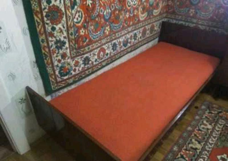 Отличная крепкая Кровать с пружинным матрасом 70 на 190