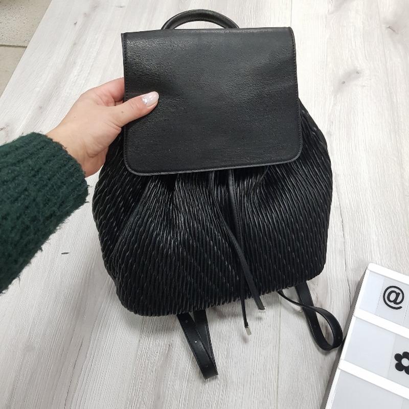 Черный рюкзак из эко кожи - Фото 4