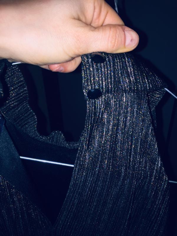 Маленьке чорне плаття - Фото 5