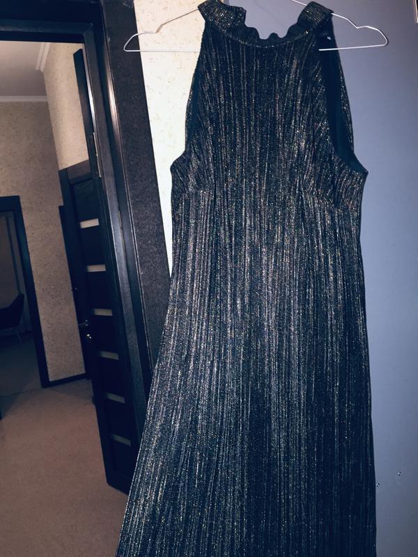 Маленьке чорне плаття - Фото 6