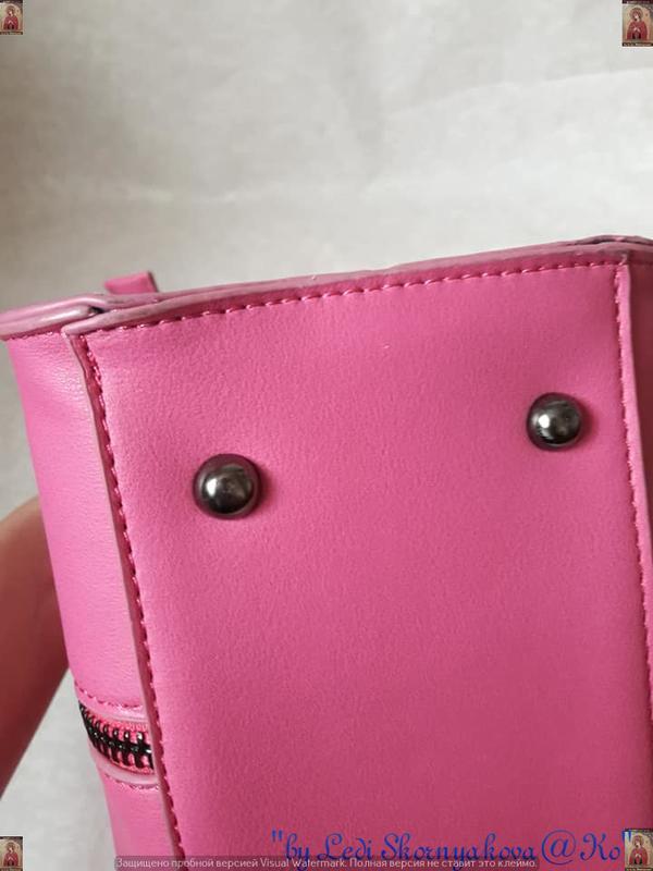 Новая с юбркой фирменная сумка в розовом цвете среднего размера - Фото 5