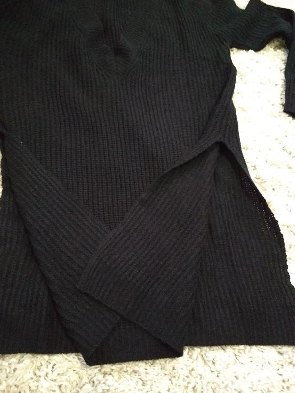 Актуальный лёгкий удлиненный  свитерок с разрезами, р. 10-12 - Фото 3