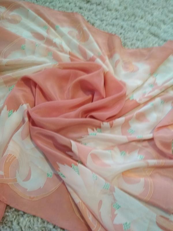 Нежный красивый шелковый платок, 80*83 - Фото 2