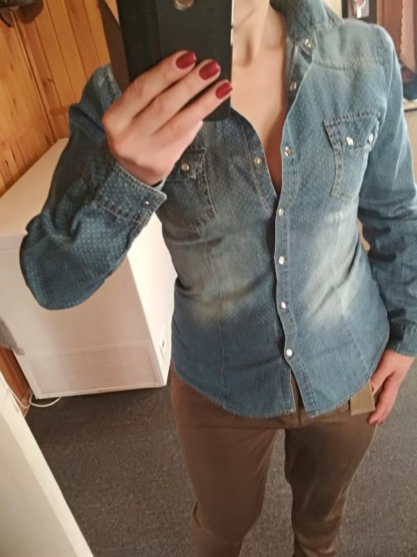 Стильная катоновая джинсовая рубашка, италия, р38/40 - Фото 4