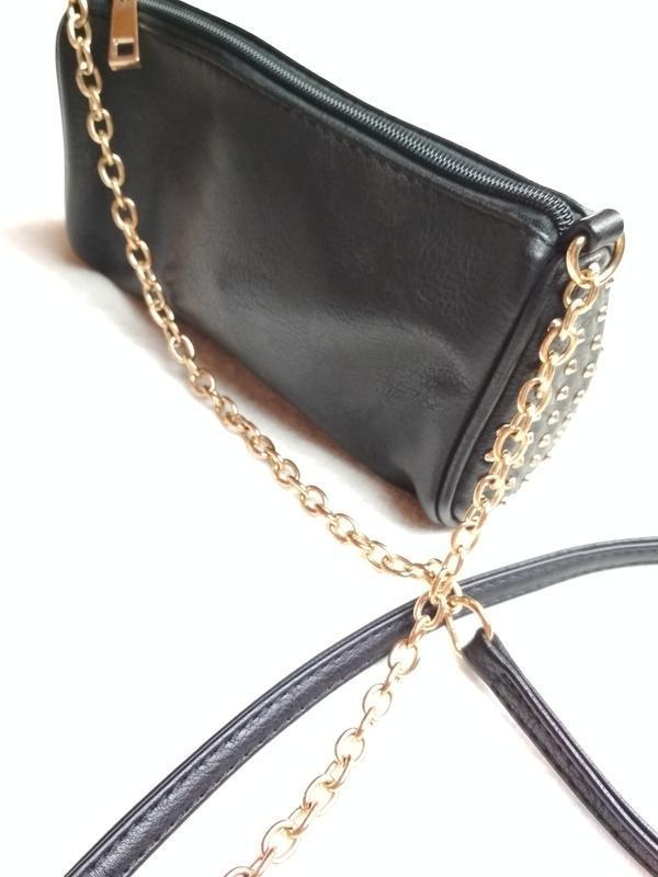 Маленькая вместительная сумочка с длинным ремешком - Фото 3