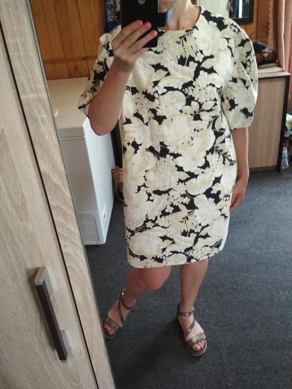 Актуальное катоновое платье в цветочный принт,h&m, p. 16 - Фото 7
