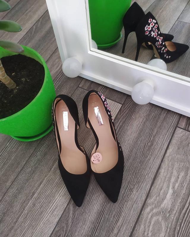 Шикарные туфли лодочки с вышивкой - Фото 4