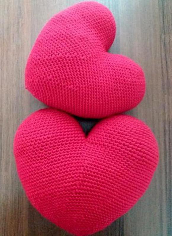 Подушка-сердце декоративная вязаная - Фото 2