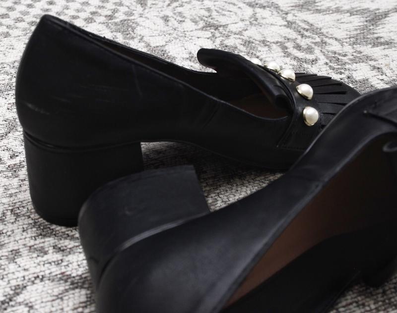 Туфли на толстом каблуке с жемчужинами by very - Фото 2