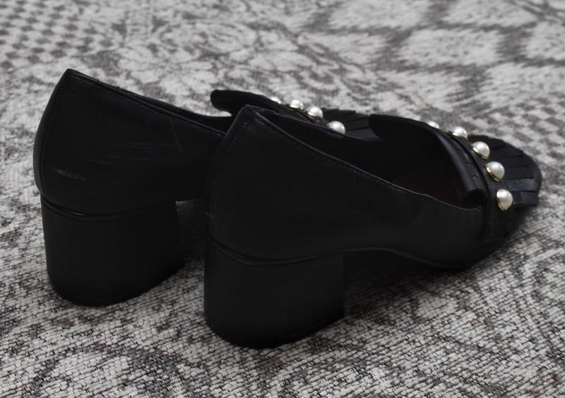 Туфли на толстом каблуке с жемчужинами by very - Фото 4