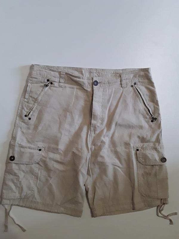 Фирменные полульняные шорты