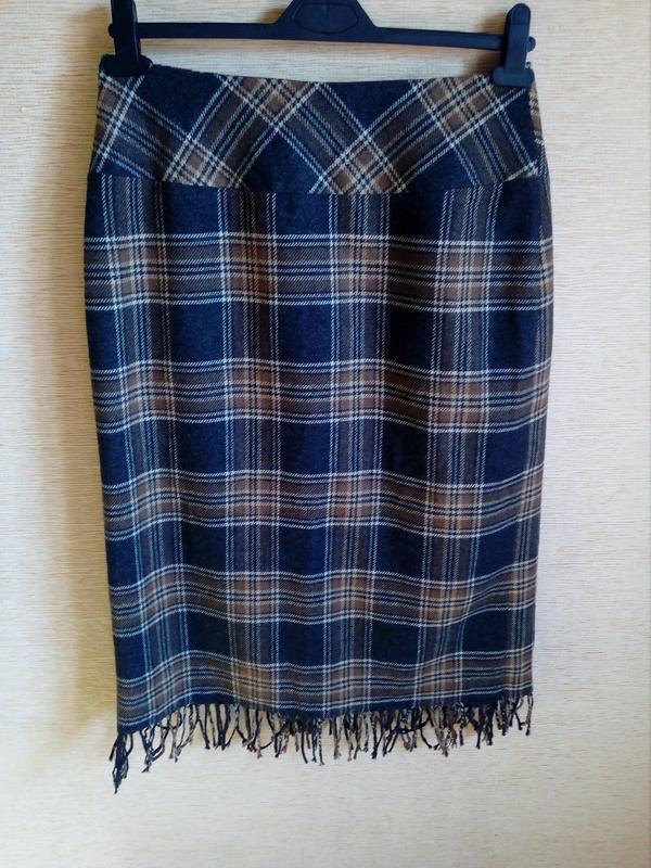 Трендовая шерстяная юбка карандаш в клетку, на запах, с кисточ... - Фото 2
