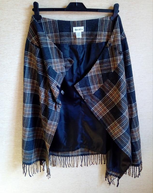 Трендовая шерстяная юбка карандаш в клетку, на запах, с кисточ... - Фото 4