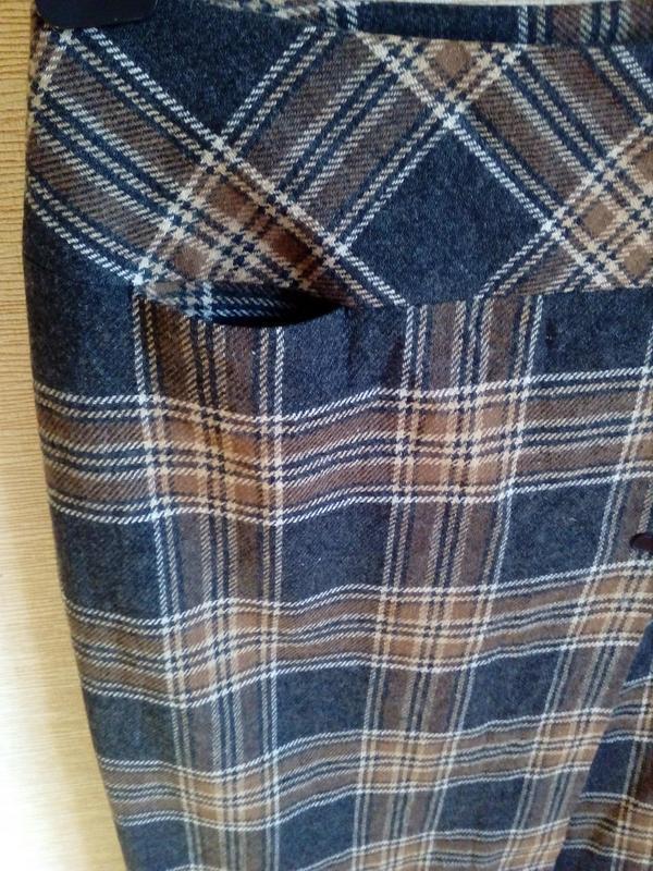 Трендовая шерстяная юбка карандаш в клетку, на запах, с кисточ... - Фото 6