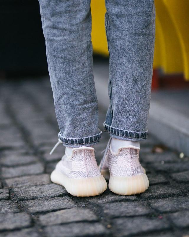 Шикарные женские кроссовки adidas x yeezy boost 350 v2 😍 (весн... - Фото 4