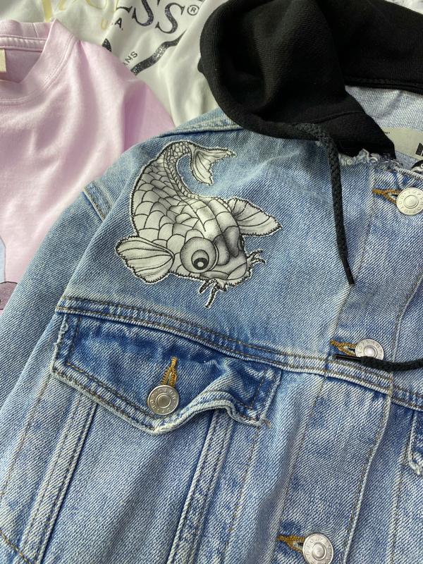 Джинсовка, джинсовая куртка с капюшоном и нашивками topshop - Фото 2