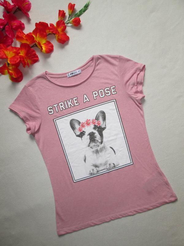 Суперовая стрейчевая футболка с надписью и аппликацией собака ...