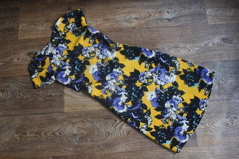 Яркое летнее платье в цветочный принт от river island