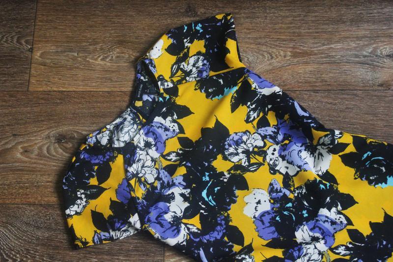 Яркое летнее платье в цветочный принт от river island - Фото 2