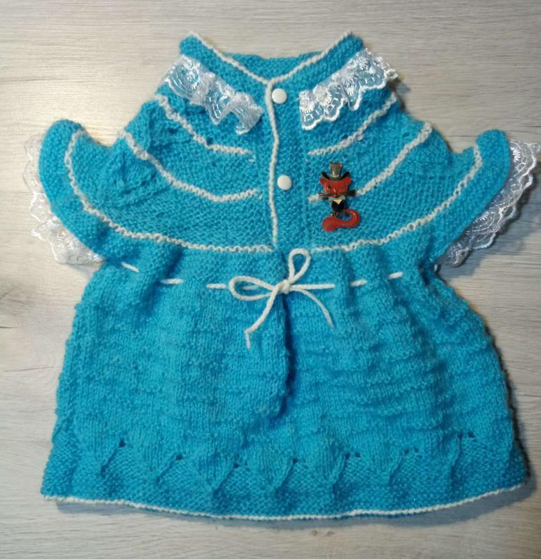 Вязаное платьице ручной работы