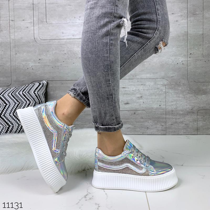 Стильные голографические кроссовки - Фото 6