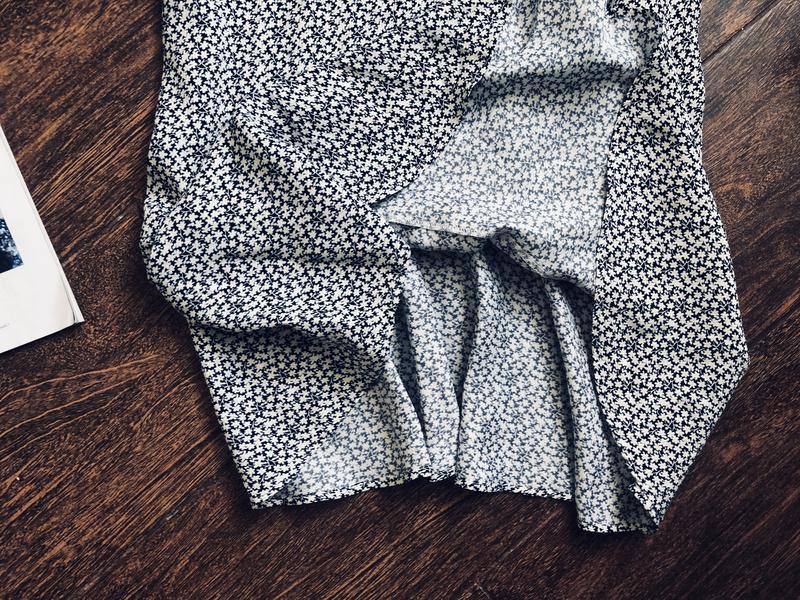 Очень красивое платье в ромашки - Фото 6