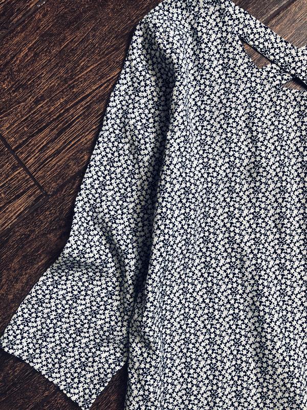 Очень красивое платье в ромашки - Фото 7
