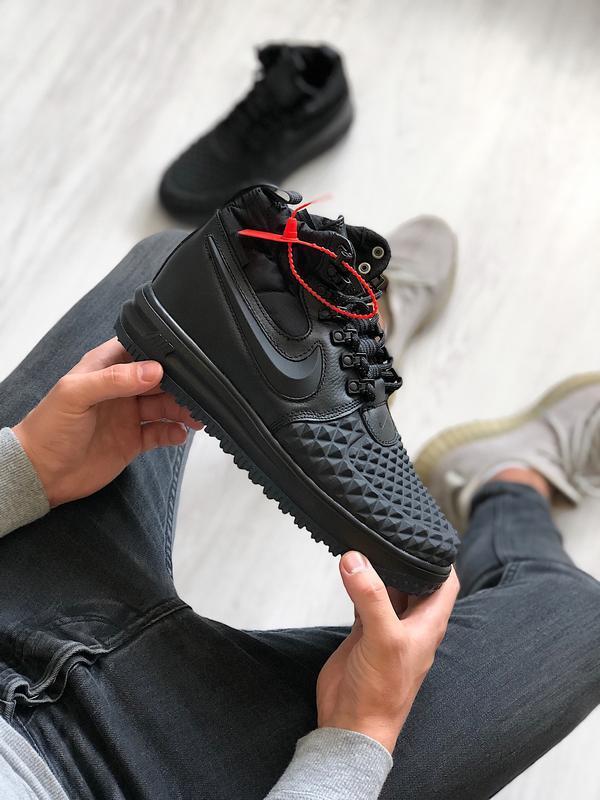 Шикарные кроссовки nike lunar force