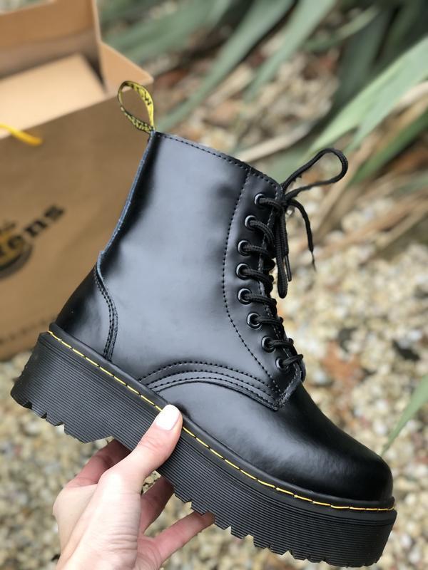 Шикарные ботинки dr. martens jadone black с мехом - Фото 2