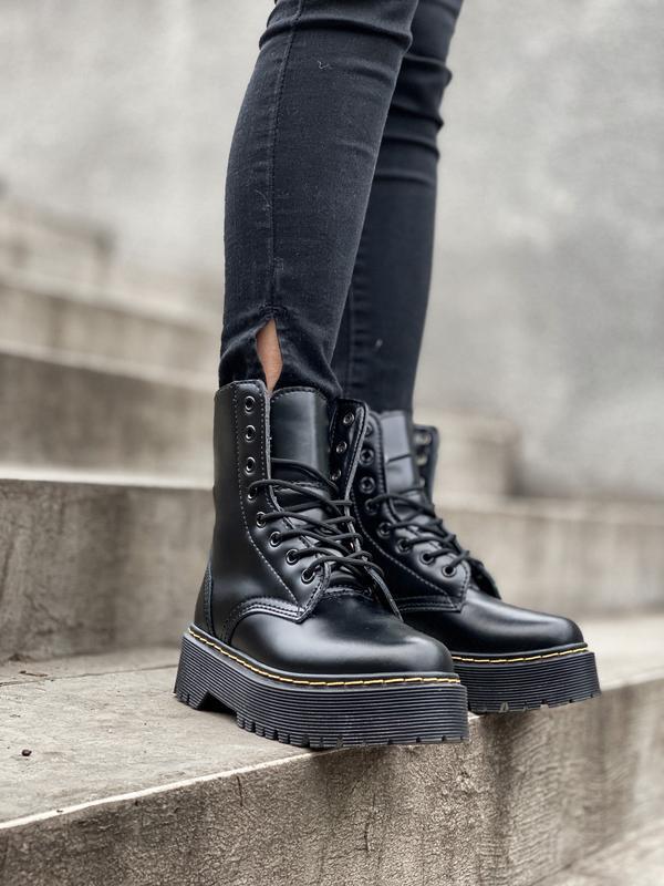 Шикарные ботинки dr. martens jadone black с мехом - Фото 7