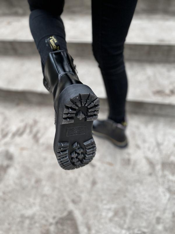 Шикарные ботинки dr. martens jadone black с мехом - Фото 9