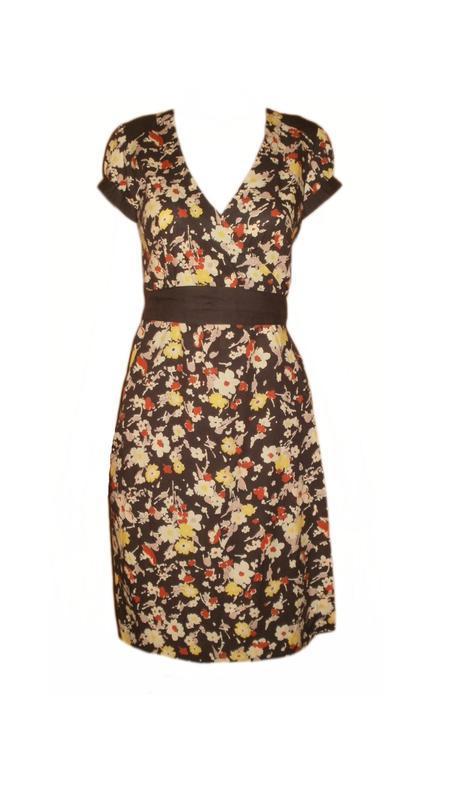 Летнее платье халат на запах цветочный принт расклешенное, пов...
