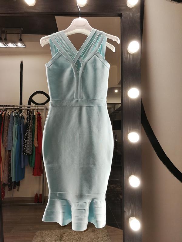 Сексуальное бандажное платье миди с баской оборкой herve leger... - Фото 2