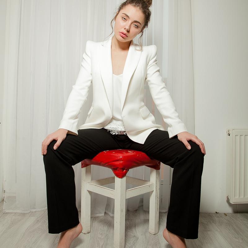 Скидка! эксклюзивный базовый белый жакет пиджак с плечиками пр...