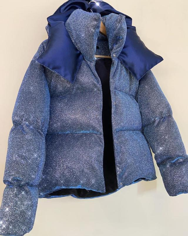 Блестящий короткий пуховик оверсайз куртка дутый объемный с ка...