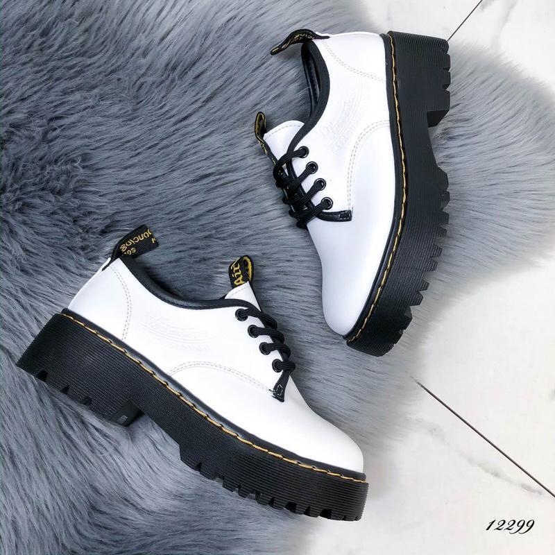 Туфли женские белые на высокой подошве - Фото 3